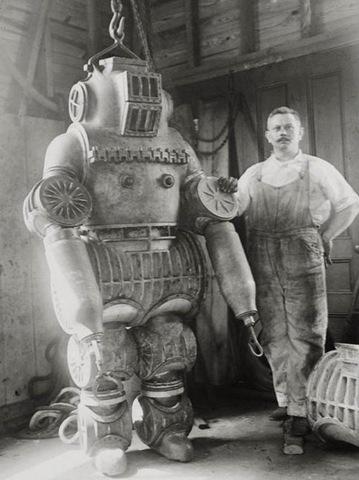 steampunkdivingsuit