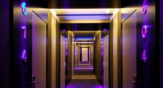 med-hoteles-diagonal-hotel-pasillo-habitaciones-106